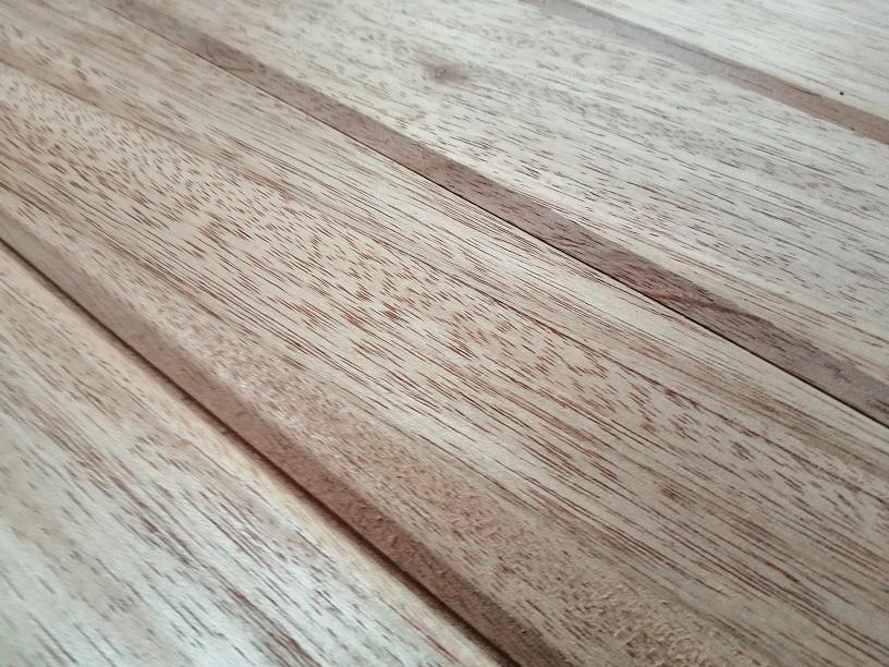 Lames à volet en bois exotique 27x97mm